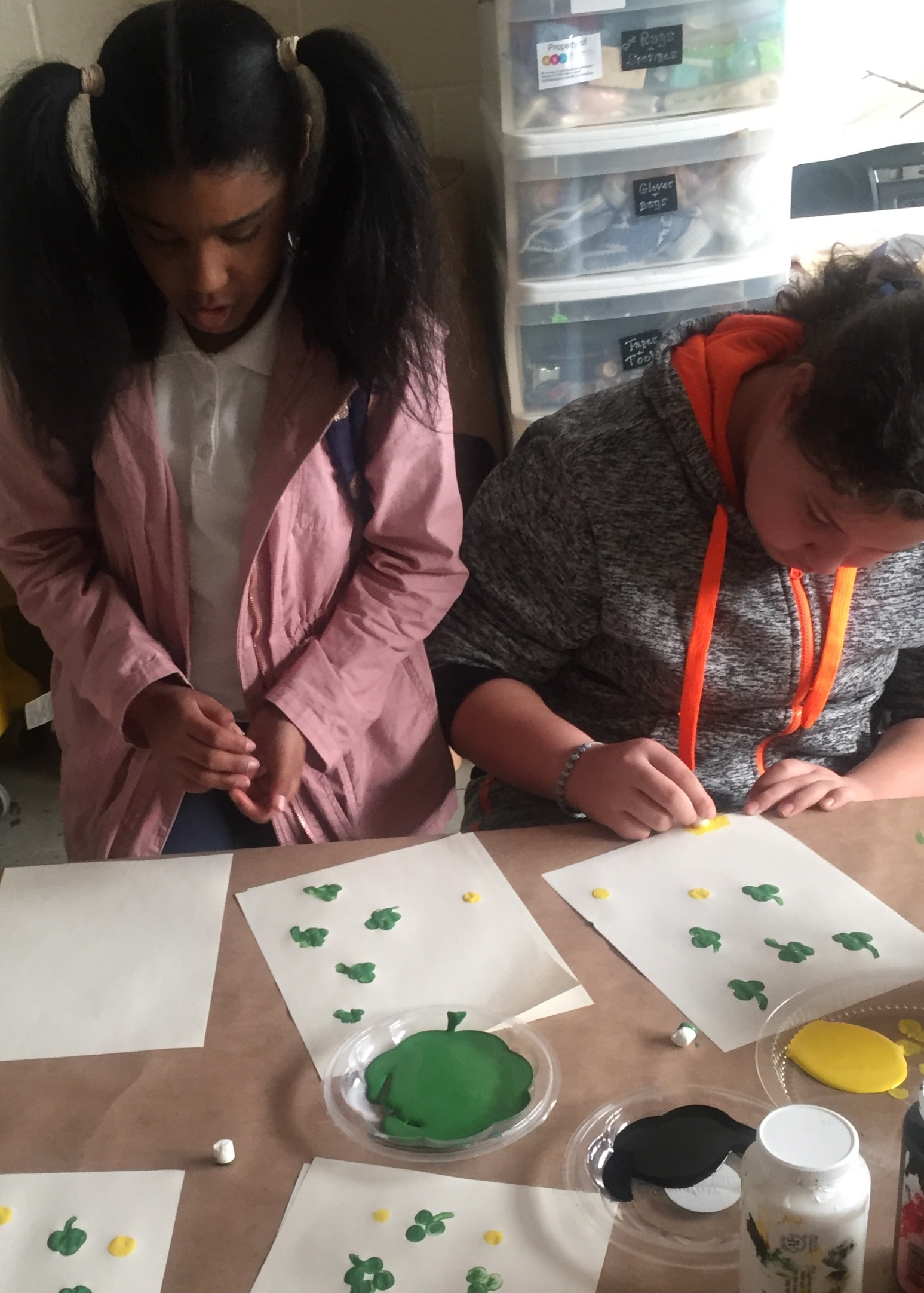 Towey Rec. Center – Marshmallow Stamps and Salt Painting