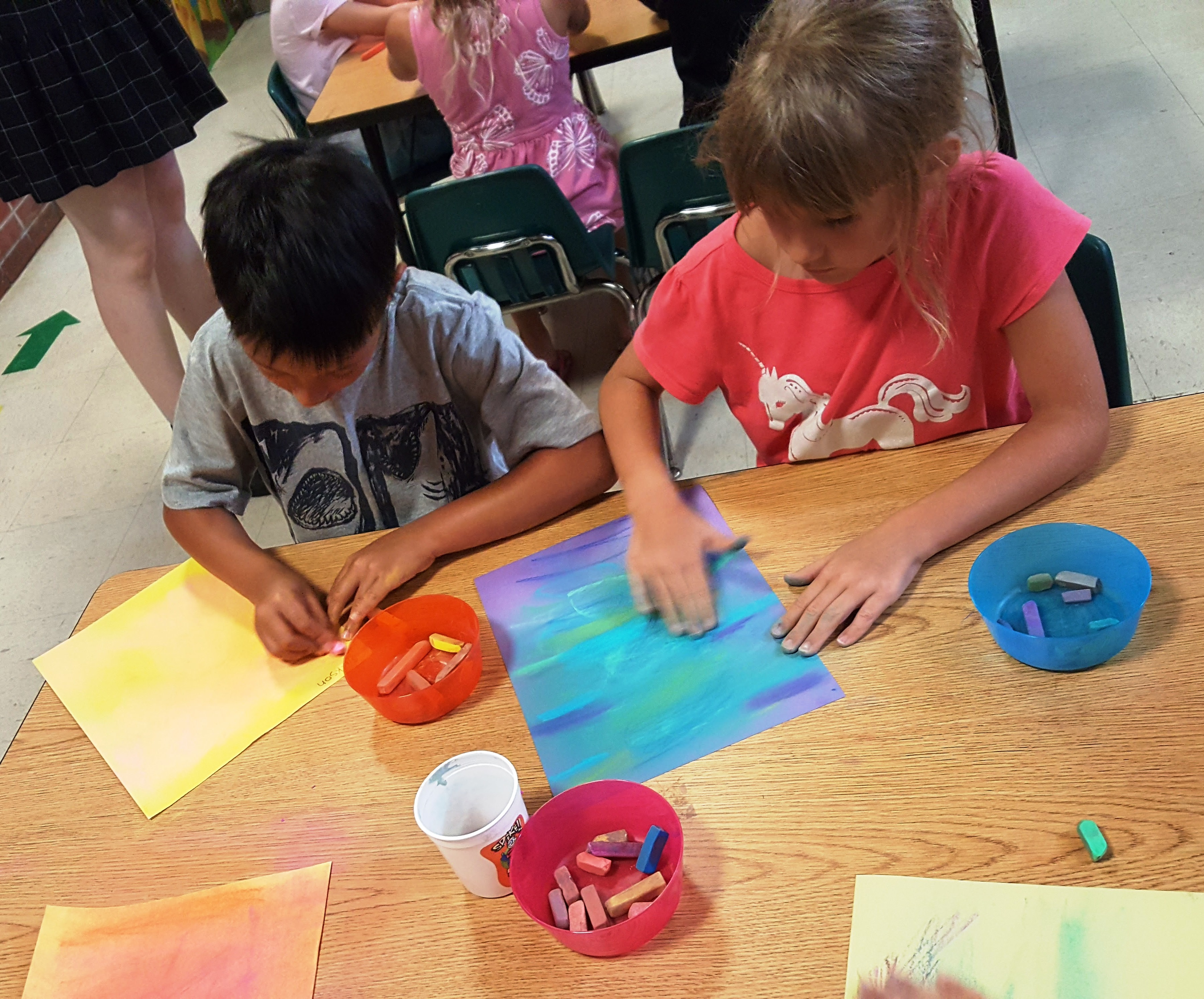 Cione Rec Center – Chalk Pastel Hot Air Balloons and Celluclay Sculptures