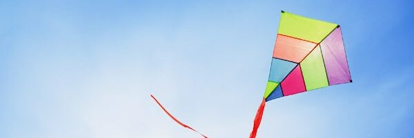 Learn Complementary colors with Mini Kites with Popsicle Sticks